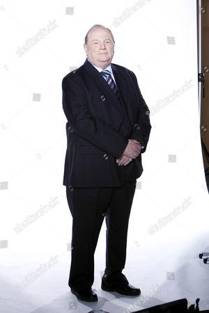 Alan Turner [Richard Thorp]