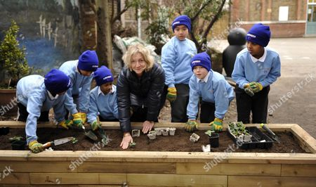Rosie Boycott And Pupils From Ambler Primary School In Finsbury Park Mayor For London Boris Johnson Launches A Competition To Get School Children To Grow Their Own Fruit And Veg.