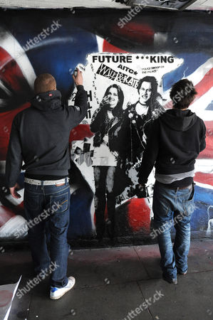 Kate Middleton and Prince William artwork with artist Rich Simmons and Eska