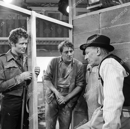 Dudley Sutton, Bryan Pringle and William Hartnell