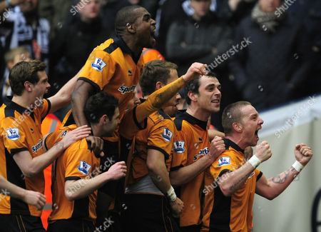 Jamie O'Hara of Wolverhampton Wanderers (right) celebrates his goal