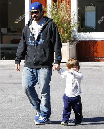 Jordan Bratman and son Max
