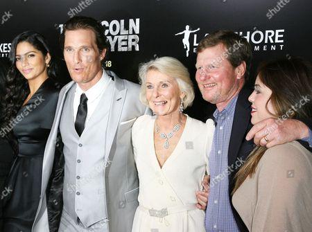 Camila Alves, Matthew McConaughey, Kay McCabe, Rooster McConaughey