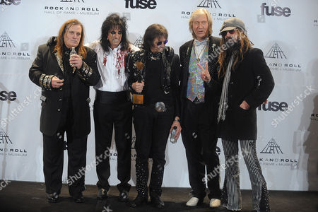 Michael Bruce and Alice Cooper and Dennis Dunaway and Neal Smith and Rob Zombie