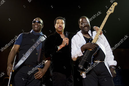 Lionel Richie (c) with original Commodores band mates Thomas McClary, left, and Ronald La Pread