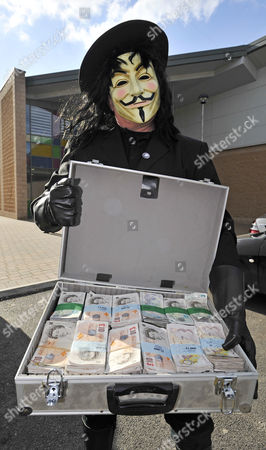 Publican Nick Hogan 43 Is Released From HMP Forestbank Manchester By Members Of Pro Smoking Group 'forest'.- Blogger 'old Holburn' Dressed As Guy Fawkes Arrives At The Prison With The Fine Payment In Cash.Wilkes - 10/3/10