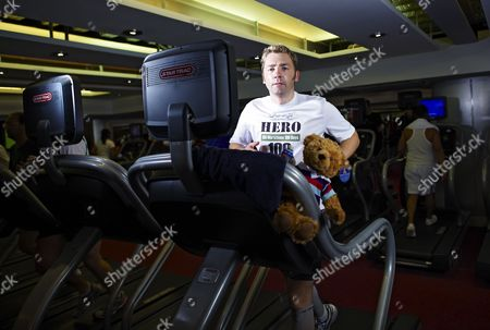 Stock Image of Mike Buss during his attempt to run 100 marathons in 100 days, London, Britain