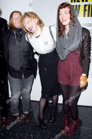 Members of HOLE: Patty Schemel, Courtney Love, Melissa auf der Maur