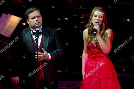 Stock Picture of Paul Potts with Elizabeth Marvelly