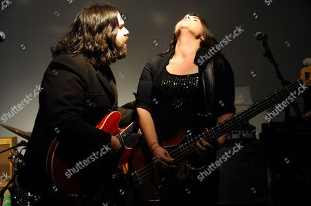 The Magic Numbers - Romeo Stodart and Michelle Stodart