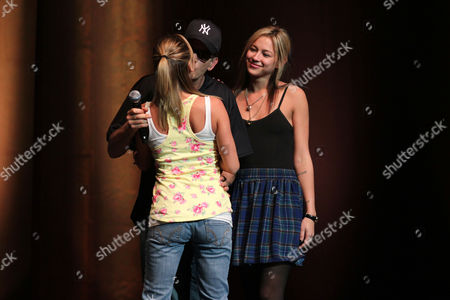 Stock Photo of Charlie Sheen with Natalie Kenly and Rachel Oberlin (l)