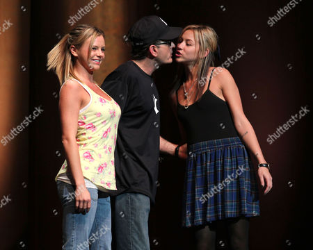 Stock Image of Charlie Sheen with Natalie Kenly and Rachel Oberlin (l)