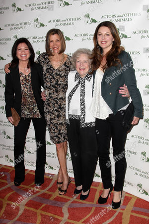 Stock Image of Valerie Bartinelli, Wendie Malick, Betty White and Jane Leeves
