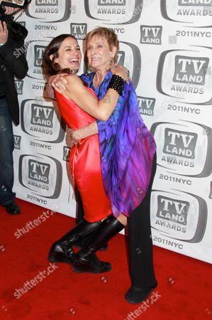 Justine Bateman and Cloris Leachman