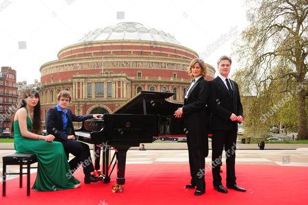 Edward Gardner, Alice Sara Ott, Edward Gardner, Katie Derham and Benjamin Grosvenor outside the Albert Hall
