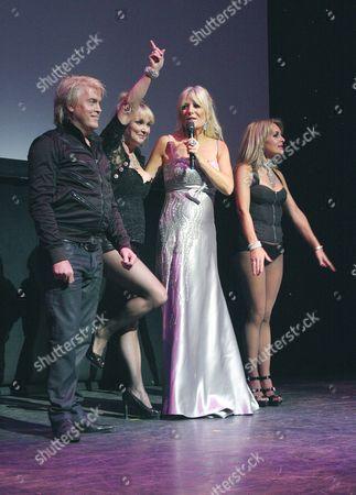 Bucks Fizz - Cheryl Baker, Mike Nolan and Jay Aston with Gaby Roslin (2R)