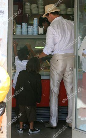 Brad Pitt buys ice cream with his sons Pax Thien Jolie-Pitt and Maddox Jolie-Pitt
