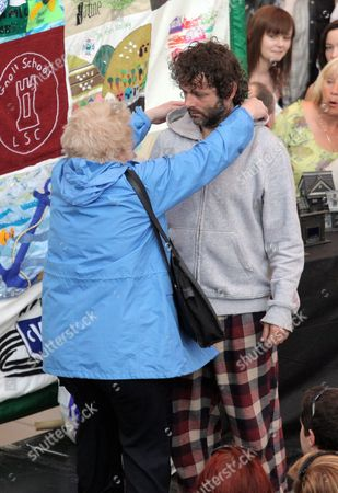Michael Sheen with Di Botcher who plays his mother, Aberafan Shopping Centre