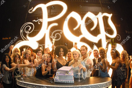 Cheaza, Holly Madison and Josh Strickland with cast of Peepshow