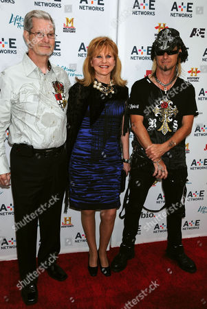 Stock Photo of L-R: Cast members from the TV Series Billy the Exterminator Billy Bretherton Sr, Donnie Bretherton, Billy Bretherton