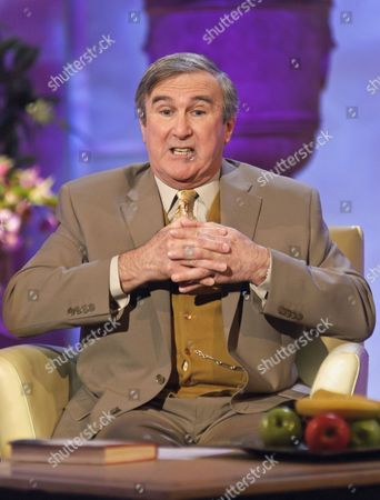 Editorial picture of 'The Alan Titchmarsh Show' TV Programme, London, Britain - 05 May 2011