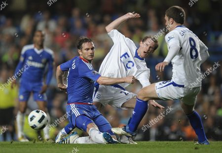 Frank Lampard of Chelsea loses the ball to Alexander Hleb of Birmingham City