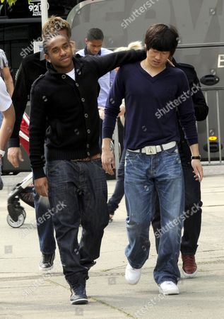 Anderson Luis de Abreu Oliveira and Park Ji Sung