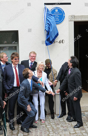 Mike Read, David Jensen, Robin Gibb, Madeline Bell and guests