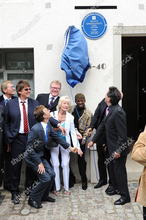 Dusty Springfield blue plaque unveiling by Robin Gibb, Pat Rhodes and Madeline Bell