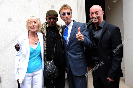 Pat Rhodes, Dusty's former secretary, Madeline Bell, Robin Gibb and Simon Bell
