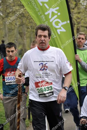 Former Soldier Phil Packer Who Was Badly Injured In Iraq In 2008 Finishes The London Marathon After 24hrs Raising Money For 26 Different Charities.