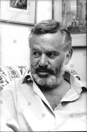 Reginald Bosanquet Newsreader In His Chelsea Flat. (died May 1984).