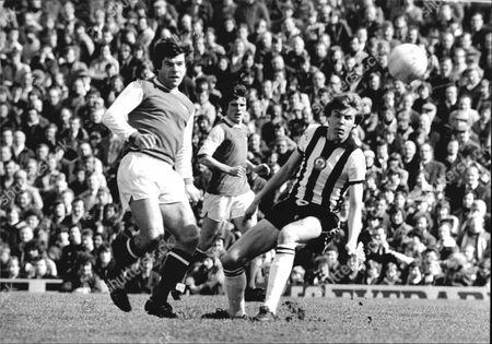 Football Club Games 1977-1978. Arsenal V Newcastle United. Malcolm Macdonald And John Blackley At Highbury.