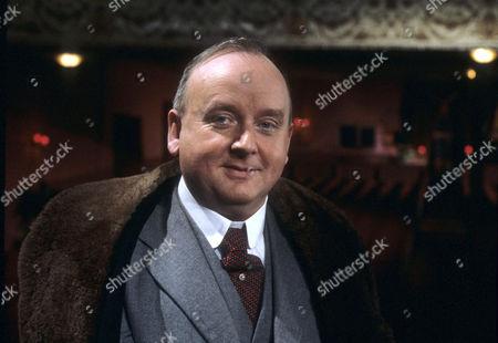 Harold Innocent as Lawrence Memsworth