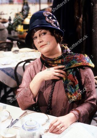 Jo Kendall as Mrs Joe