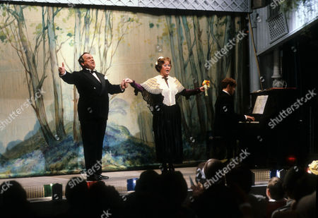John Blythe as Joe Brundit and Jo Kendall as Mrs Joe