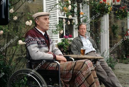 Dennis Waterman as Thomas Gynn and Tony Melody as Horace