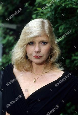 Felicity Dean as Maureen Duffy