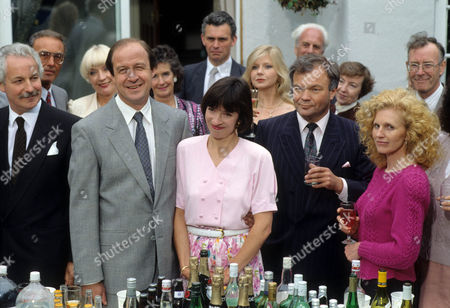 David Horovitch as Bill Rowlands, Marion Bailey as Jane Rowlands, Felicity Dean as Maureen Duffy and Andrew McCulloch as Derek Sheen