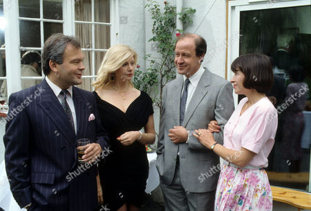 Andrew McCulloch as Derek Sheen, Felicity Dean as Maureen Duffy, David Horovitch as Bill Rowlands and Marion Bailey as Jane Rowlands