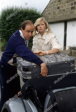 David Horovitch as Bill Rowlands and Felicity Dean as Maureen Duffy