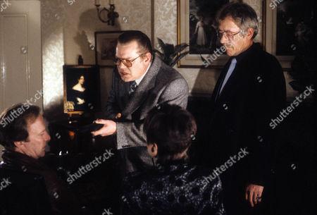 Dennis Waterman as Thomas Gynn, Warren Clarke as Jack Finch, Jan Francis as Sally Hardcastle and Leslie Schofield as Harry Finch