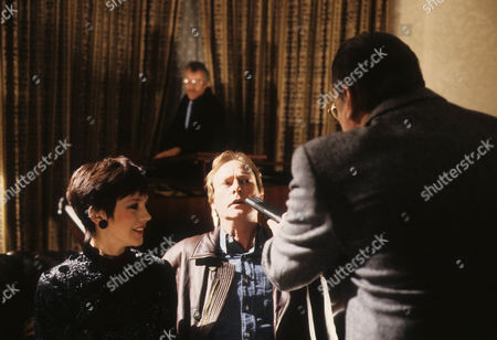 Jan Francis as Sally Hardcastle, Dennis Waterman as Thomas Gynn, Leslie Schofield as Harry Finch, and Warren Clarke as Jack Finch