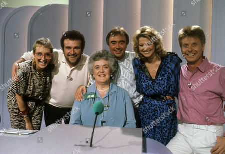 Sue Pollard, Tony Selby, Chris Emmett, Gillian Taylforth, Joe Brown and contestant Jean