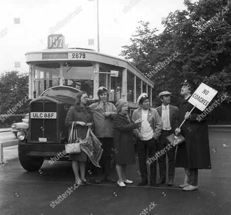 Anna Karen, Bob Grant, Doris Hare, Reg Varney, Michael Robbins and Stephen Lewis.