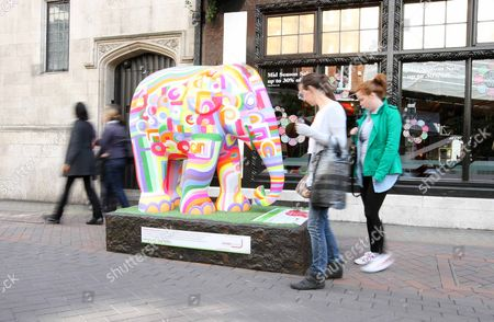 Stock Picture of The Start Of The Elephant Parade In Central London Issac Mizrahi Elephant Carnaby Street. Picture By: Nigel Howard Mobile + 44 (0) 7831 235235 Email: Nrhpixatyahoo.com