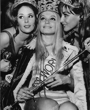 Miss World Contest 1969 Winner In Centre Miss Austria Eva Rueber-staier