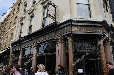 The Ten Bells pub on Commercial Street opposite Spitalfields market near Whitechapel. London, England, Britain.