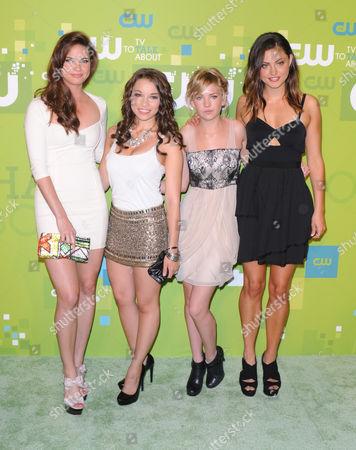 Shelley Hennig, Jessica Parker Kennedy, Britt Robertson and Phoebe Jane Tonkin