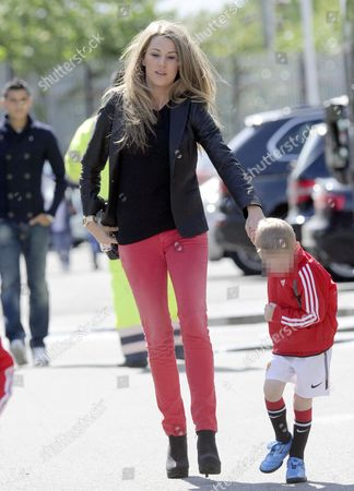 Lisa Carrick with child
